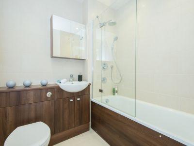 10_BRIDGE_HOUSE_bathroom.jpg
