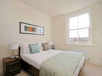 8George-Bedroom2.jpg